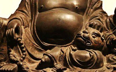 El Gran Buda Maitreya de bronce en el Museo Capital de Beijing
